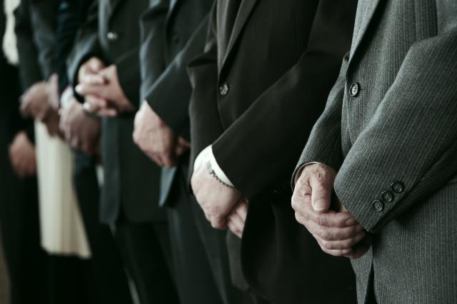 急な時も戸惑わない!絶対覚えるべきお葬式参列者の服装マナー