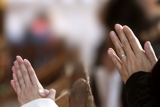 神社参拝で混乱しやすい「手水」と「拝礼」の作法について解説します