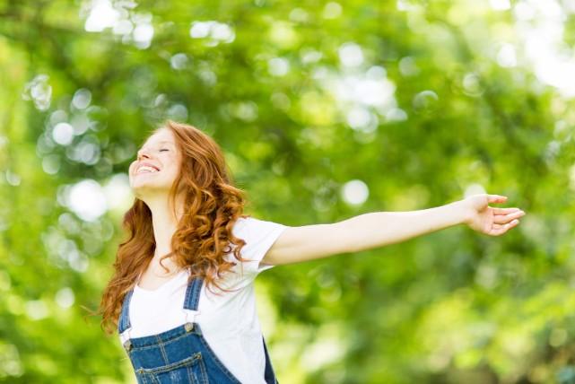 自然に触れるだけで健康になれる!「森林浴」の健康効果3つ