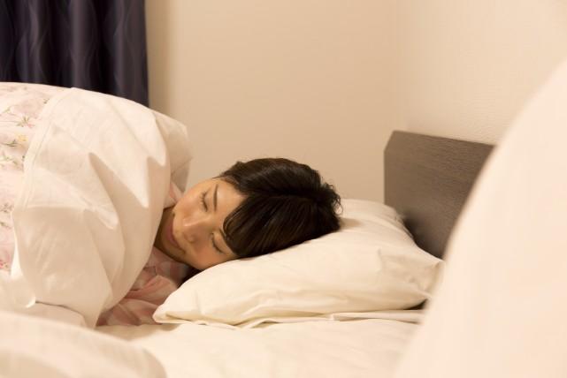 「睡眠中に叫ぶ」は異常のサインかも!寝言で健康状態を見極める方法
