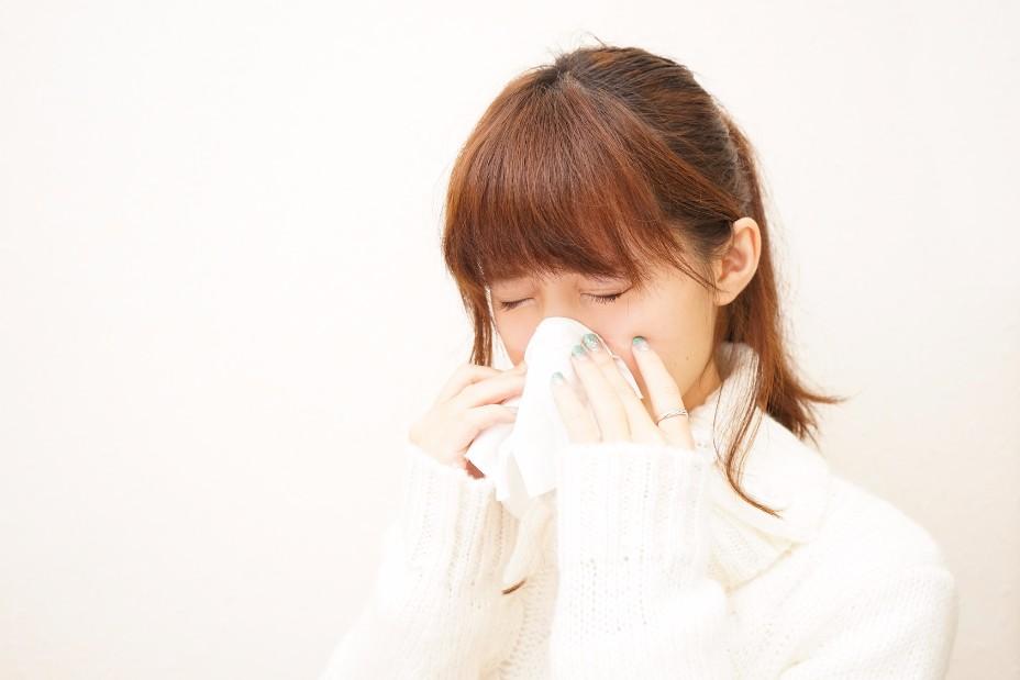 睡眠中のよだれは不健康のサイン。口呼吸が招く悪影響まとめ