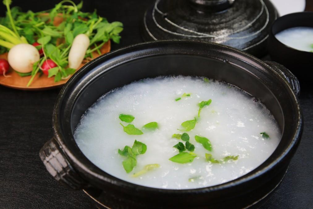1月7日に食べる「七草粥」の由来は何?超簡単な作り方もご紹介