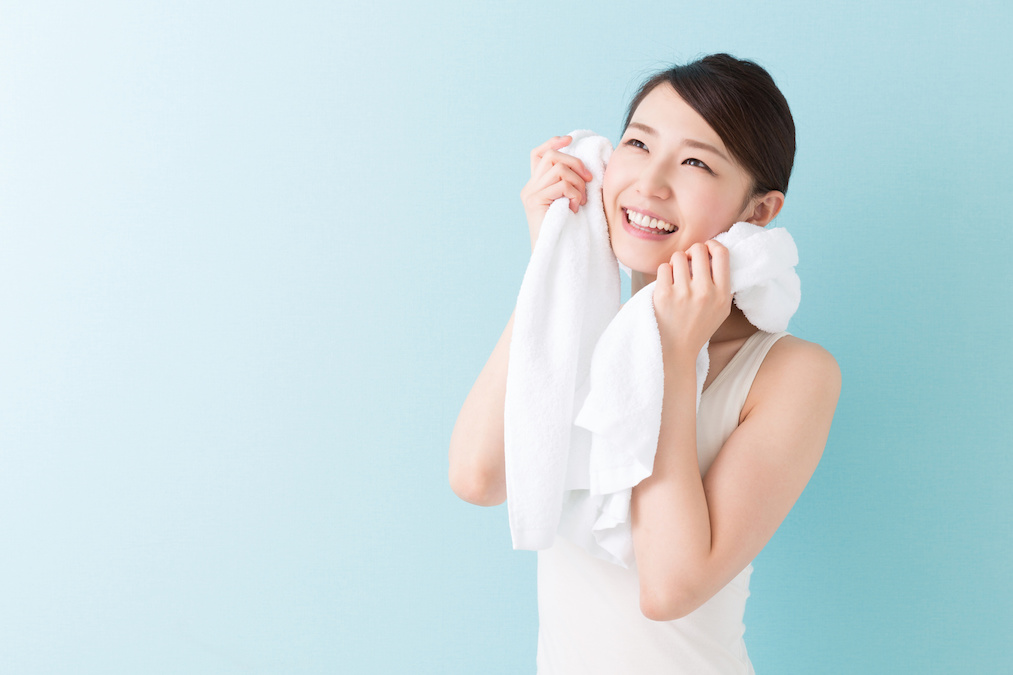 バスタイム中にデトックスできる「塩風呂」の美容効果が凄い!