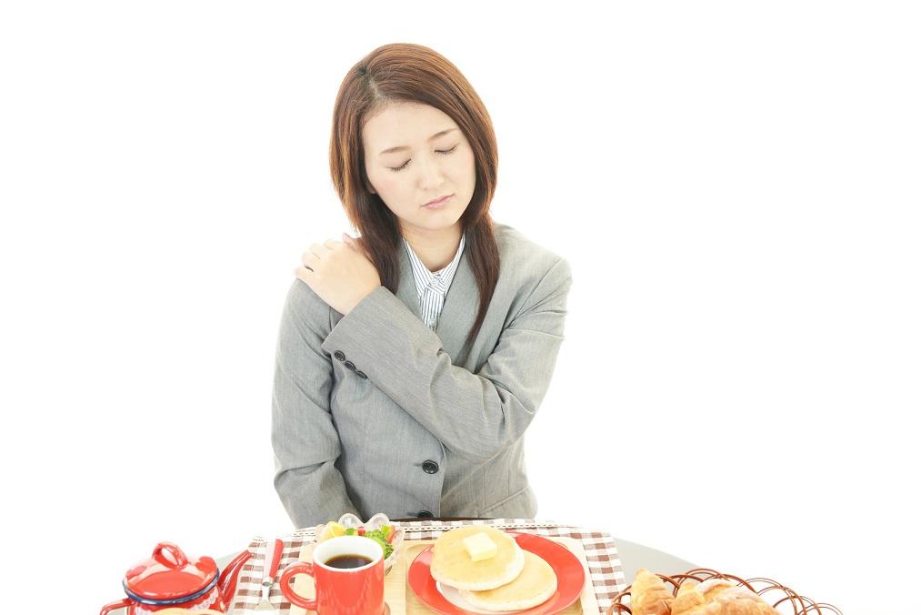 食べて「肩こり」をスッキリ改善!効果的な6つの栄養素と食べ物