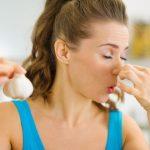 にんにく料理を食べる時に知っておきたい、においを即効消す方法