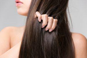 【女子力を下げる髪の傷み】枝毛ができる5つの原因と予防法