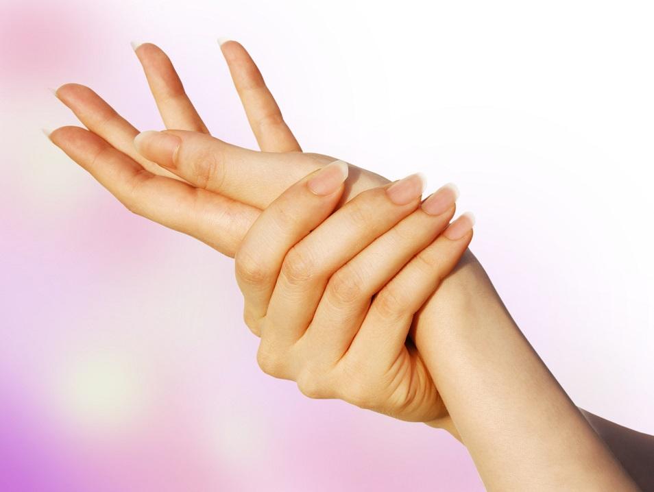 小さいのに痛い「さかむけ」の4つの原因と治し方、予防する方法