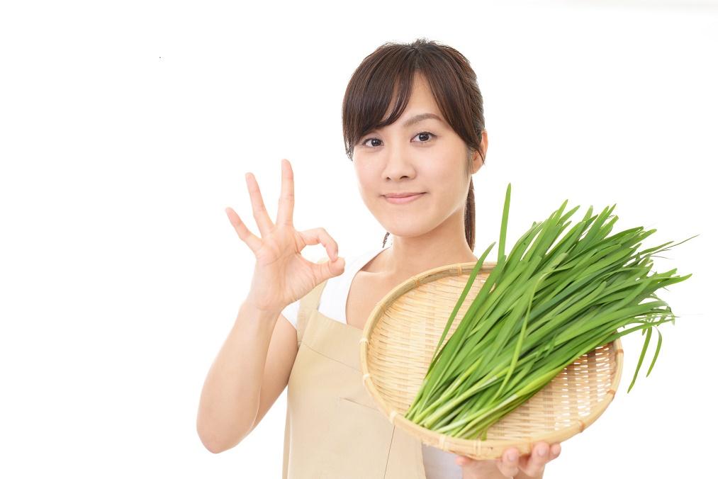 【もう怖くない】ニラ料理を食べた後のしぶとい口臭の予防法4つ