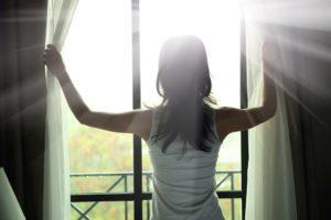 スキンケアと生活習慣の見直しで美肌になる方法