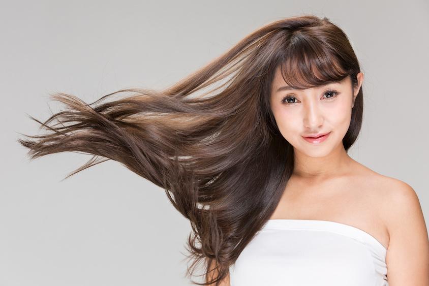傷んだ髪の毛は治らない?傷みを防ぐヘアケアのやり方