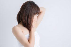 わきがを発症する原因と不快臭を抑える方法